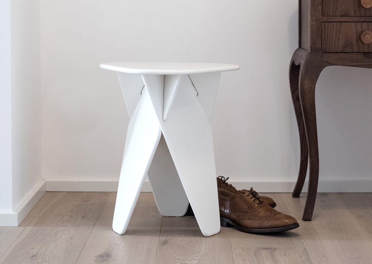 Wedge-Table-White-Context-02-Caussa